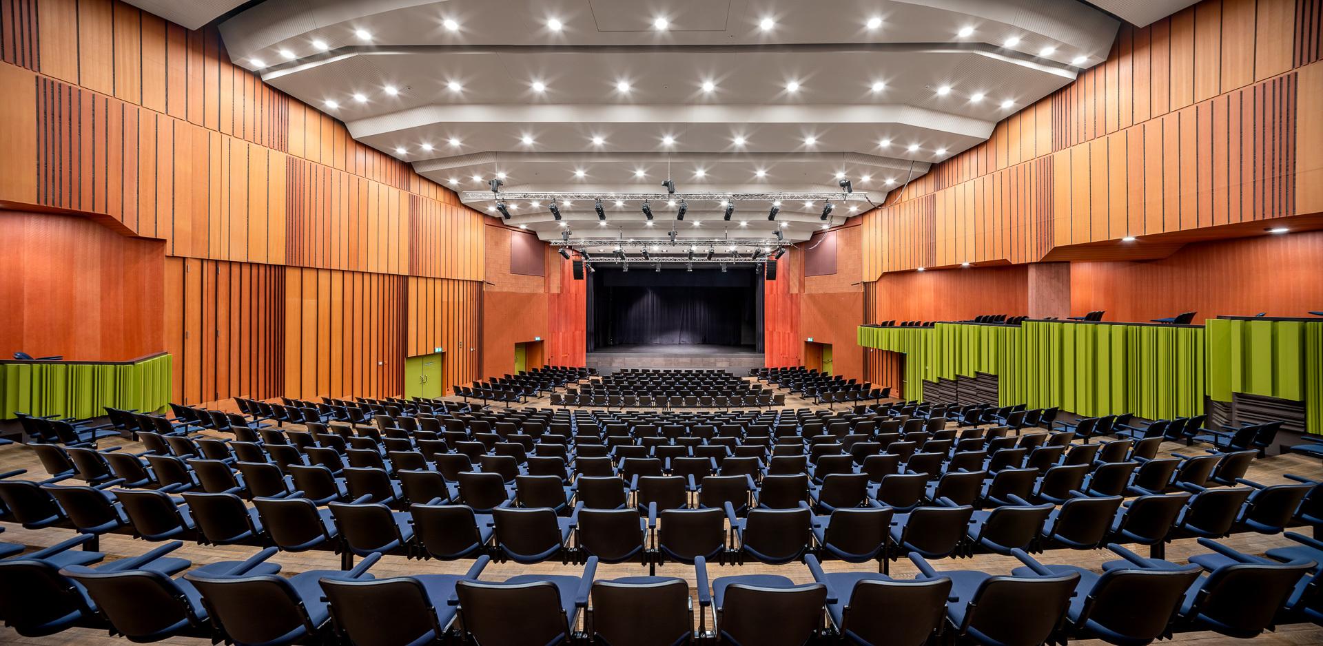 Schadausaal: Auditorium mit 740 Sitzplätzen - Kultur- und Kongresszentrum Thun